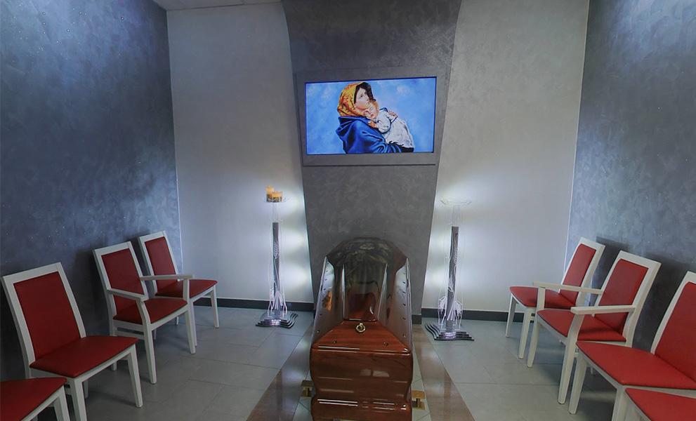 Casa del funerale camera ardente multimediale esposizione feretro